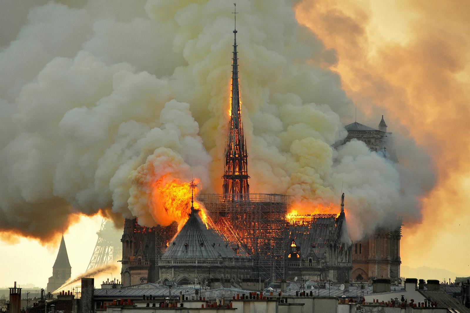 Incendio di Notre Dame de Paris